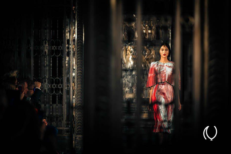 EyesForLondon-Luxury-Naina.co-Raconteuse-Visuelle-Visual-StoryTeller-Photographer-London-Fashion-Week-Bernard-Chandran-Catwalk-Sept-2013