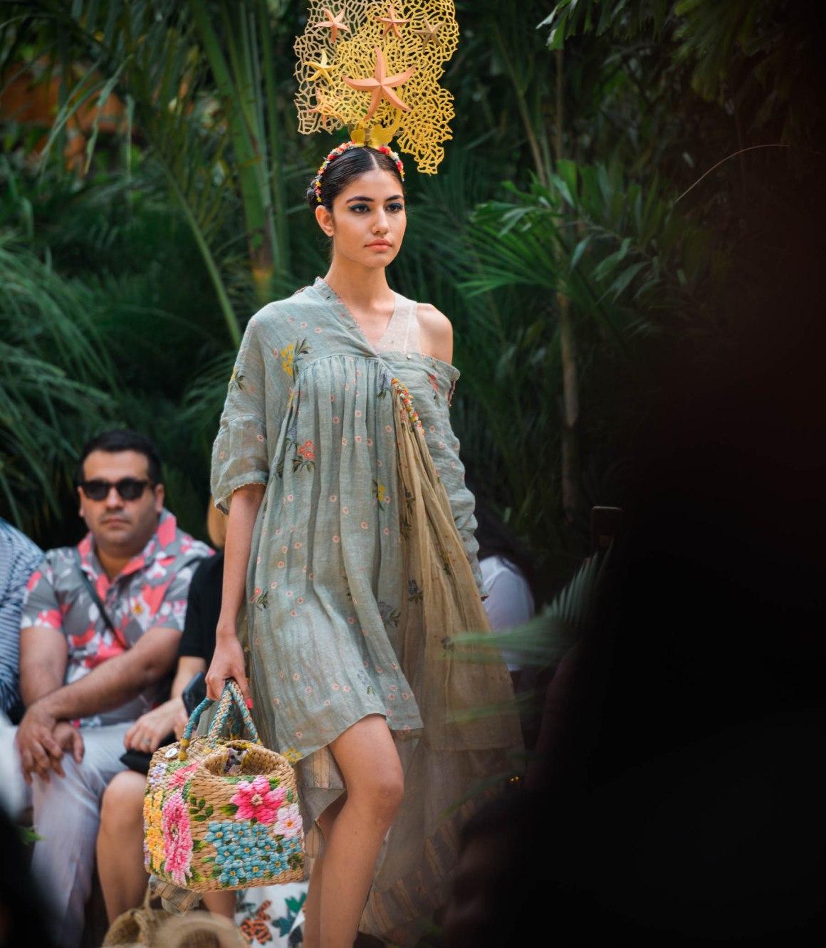 Naina Redhu, Naina.co, Pero, Aneeth Arora, Fashion Designer, FDCI, Lotus MakeUp India Fashion Week Spring Summer 2019, LMIFWSS19, LMIFW, India Fashion Week, Fashion Week Delhi, MadeInIndia, Made In India, EyesForFashion, Professional Photographer, Blogger, Fashion Photographer, Lifestyle Photographer, Luxury Photographer, Delhi Photographer, Gurgaon Photographer, Delhi Blogger, Gurgaon Blogger, Indian Blogger