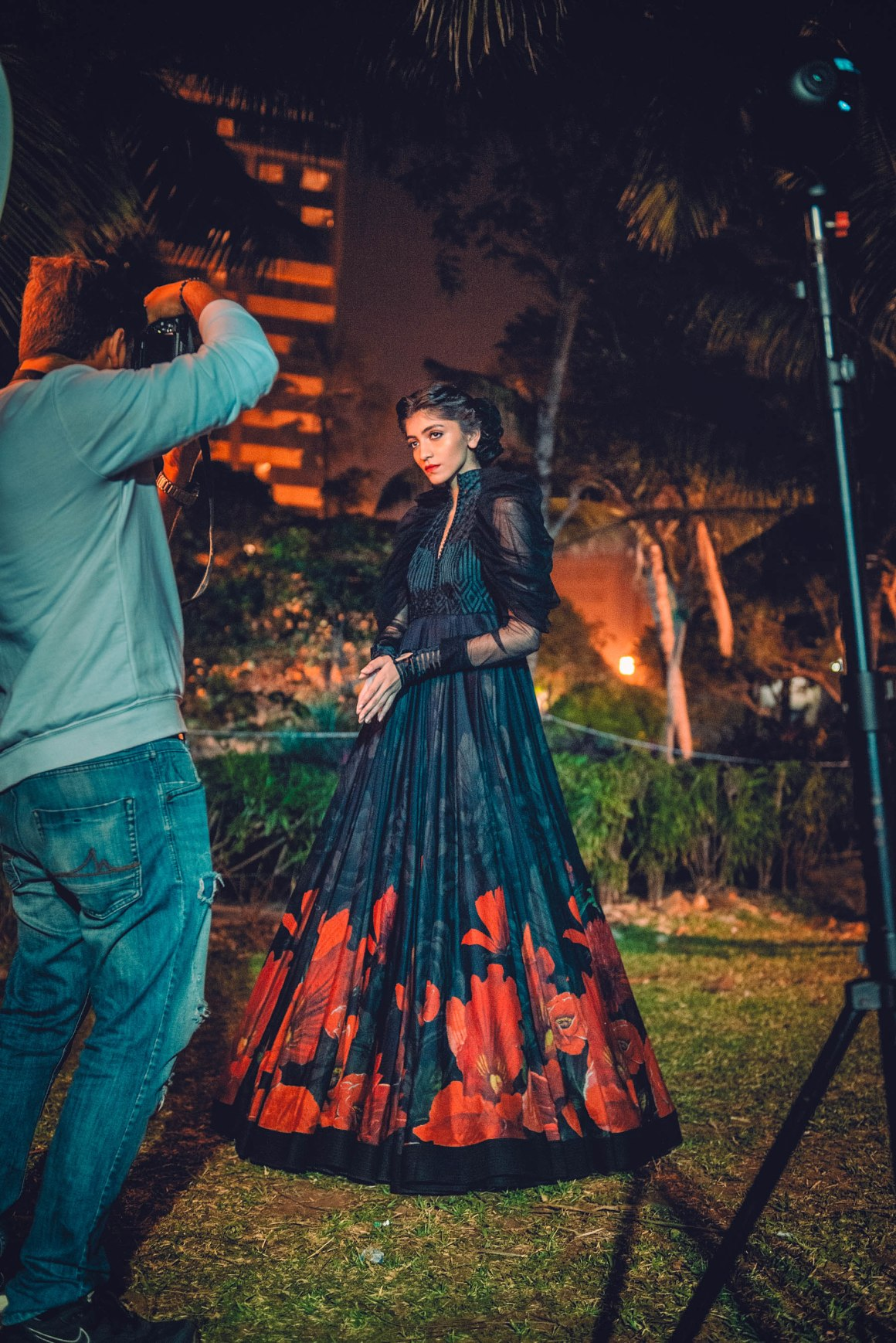 Naina.co, Blenders Pride Fashion Tour, Rohit Bal, Guldasta, Kashmir, Pernod Ricard, Naina Redhu, MadeInIndia, EyesForFashion, Blenders Pride, BPFT2018, BPFT, NAINAxBPFT, MyStyleMyPride, MyHeritageMyPride, Taj Lands End, Bandra Fort, Heritage Building, Bandra, Bombay, Mumbai, Diana Penty, Siddharth Malhotra, Preferred Professionals, Whiskey, Fashion Tour, Fashion Party, Shubha Mudgal, Indian Classical Music, Flowers, Diva Dhawan, Indian Models, Roses, Flower Motifs, Fashion Show, Gudda, Sealink