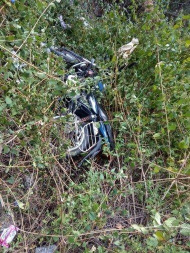 दिल्ली से पिथौरागढ़ जा रही कार ने अपने आगे चल रहीं दो बाइकों और एक स्कूटी को टक्कर मारी, पांच घायल