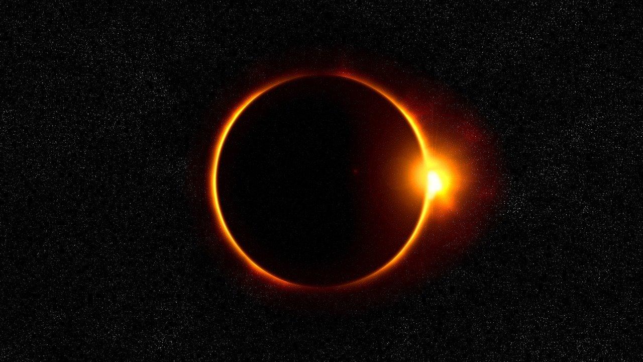 कल लगेगा सूर्य ग्रहण, भारत में असर नहीं