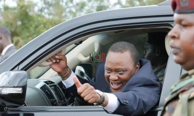 President Uhuru Sported Driving Himself In a New 15M Range Rover.