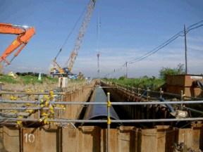 管水路工 鋼管布設完了全景(道々より上流工区)