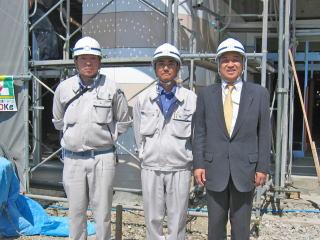 左から木村さん、城宝さん、中山社長