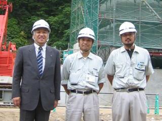 左から中山社長、田中 克弘所長、石澤さん