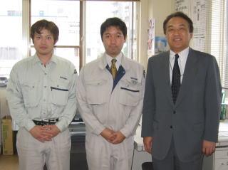 左から田中 正史さん、宮川所長、中山社長
