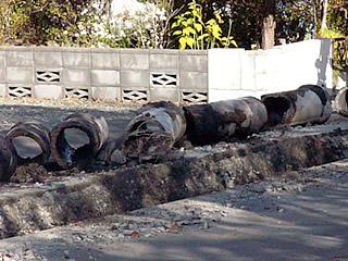 取り出された古い下水管