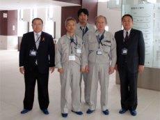 左から 藤岡支社長、大野次長、長谷川係長、槙田工事次長、中山社長