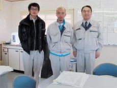 左から櫻井さん、本田所長、中山社長