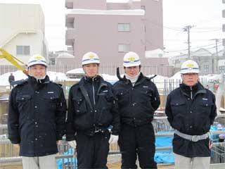 左から 中山社長、清水さん、菊池さん、十鳥所長