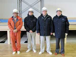 左から 泰進建設 井上さん、桐山さん、木下所長、中山社長