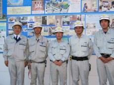 左から中山社長、清水さん、十鳥所長、菊池さん、阿部さん