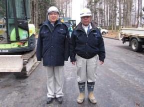 左から中山社長、向井工事次長