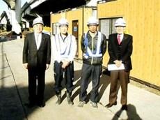左より中山社長、佐々木係長、佐藤課長、小瀧顧問