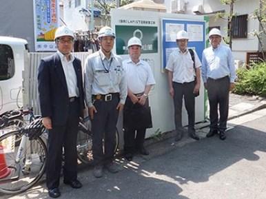 左より山口部長、川上係長、作田支店長、前田次長、中山社長