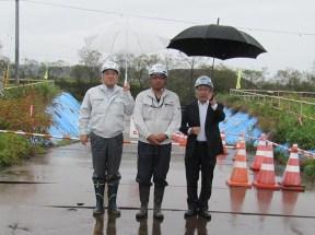 左から中山社長、山口係長、熊谷道東営業所長