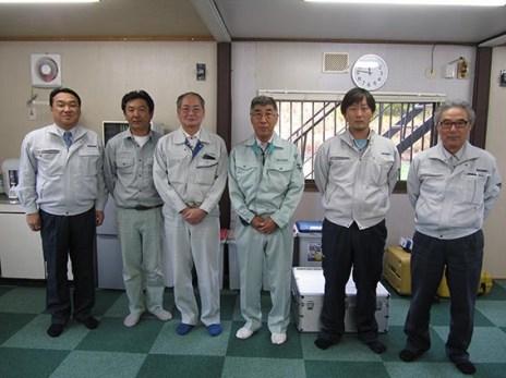 左から、社長・富居さん・棚村さん(五晃建設)・谷脇さん(五晃建設)・木村さん・西股さん