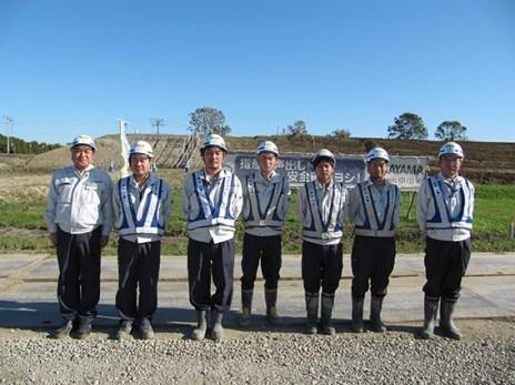 左から中山社長、川嶋さん、近江谷さん、和田さん、斉藤さん、近藤さん、齋藤さん