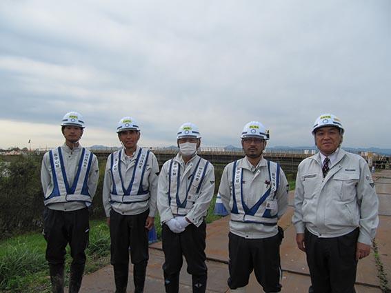 左から渡部さん、小林さん、尾崎さん、能代谷さん、中山社長