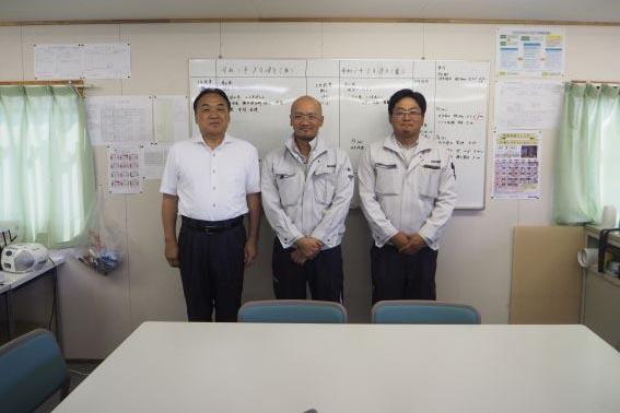 左から、中山社長、本田所長、伊藤主任