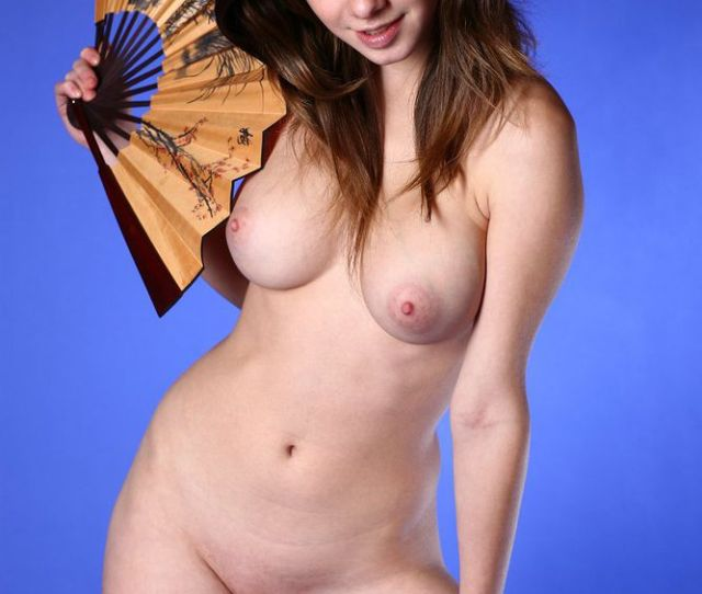 Big Titties Erotic Teen Nude