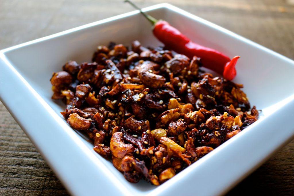 thai lime and chili cashews