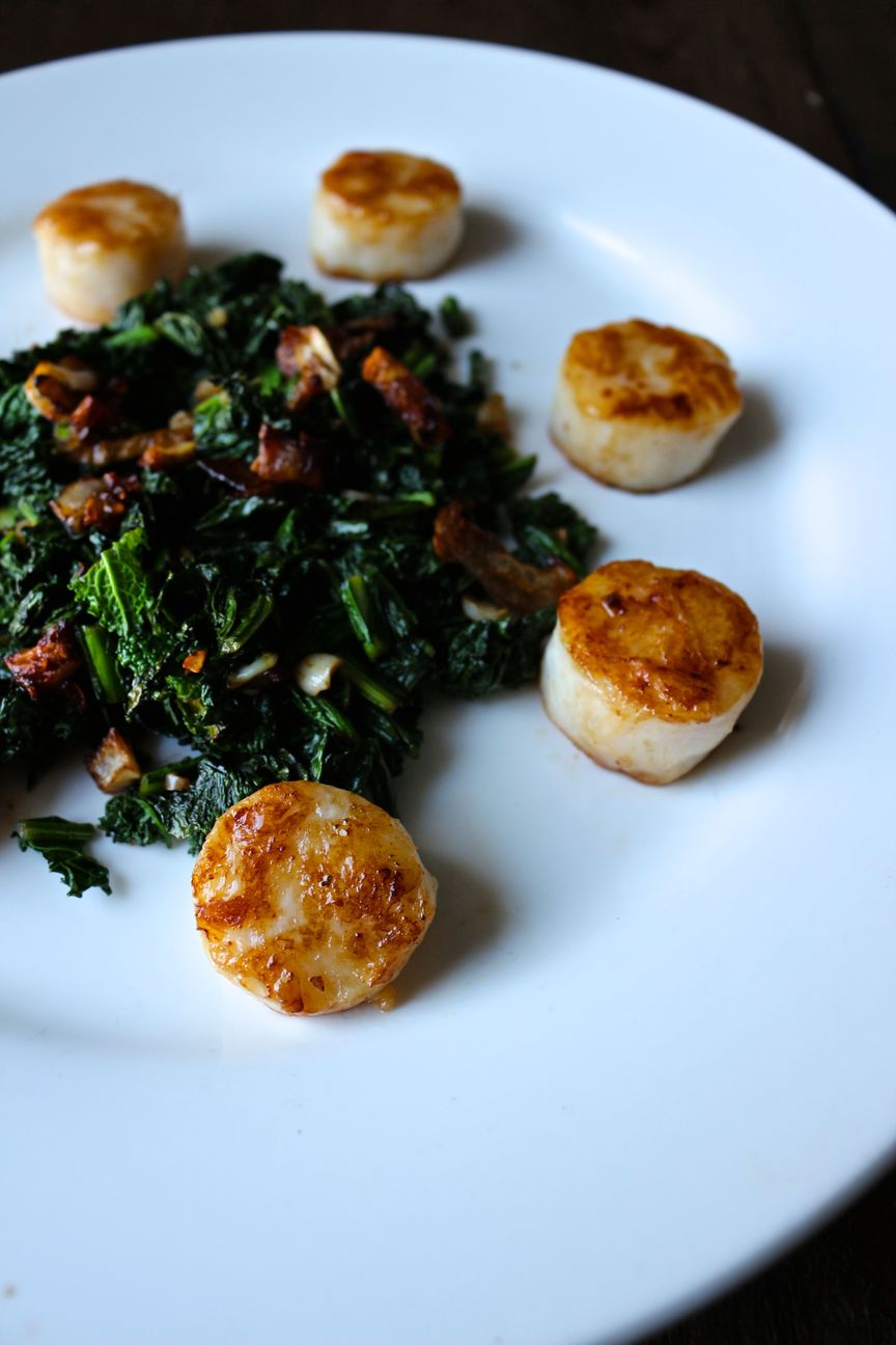 seared scallops with crispy shallots and kale