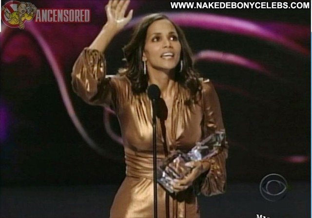 Halle Berry The People S Choice Awards Big Tits Big Tits Big Tits Big