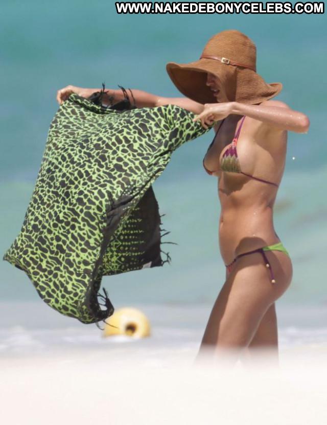 Irina Shayk Bikini Candids Babe Posing Hot Beautiful Celebrity