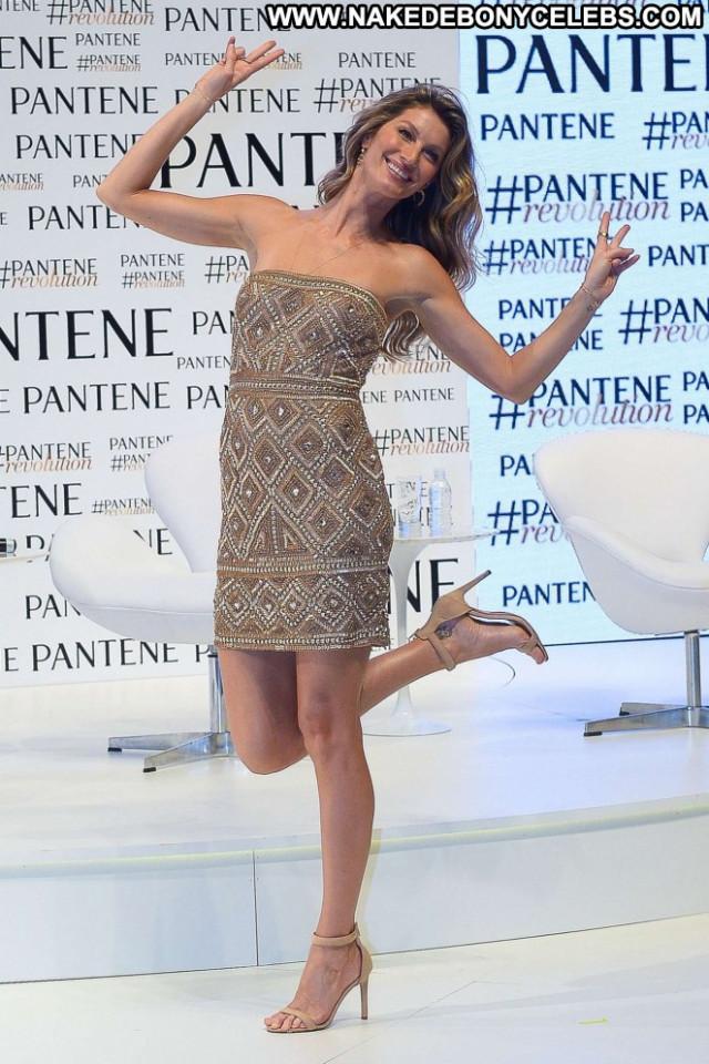 Gisele Bundchen Paparazzi Posing Hot Babe Celebrity Beautiful Hd Nude