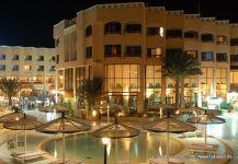 hotel-am-abend