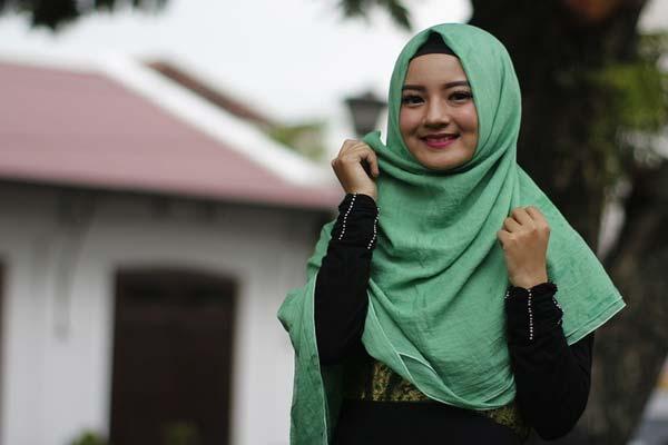 Hukum Mengenakan Hijab Dalam Islam