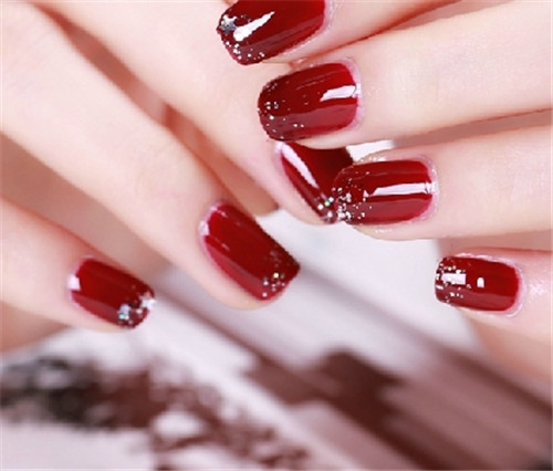 How to maintain Nail Carving