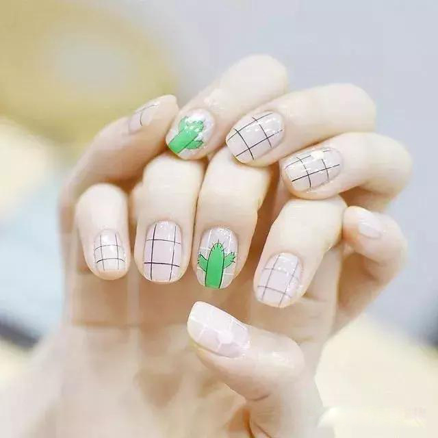 How to choose a nail pen