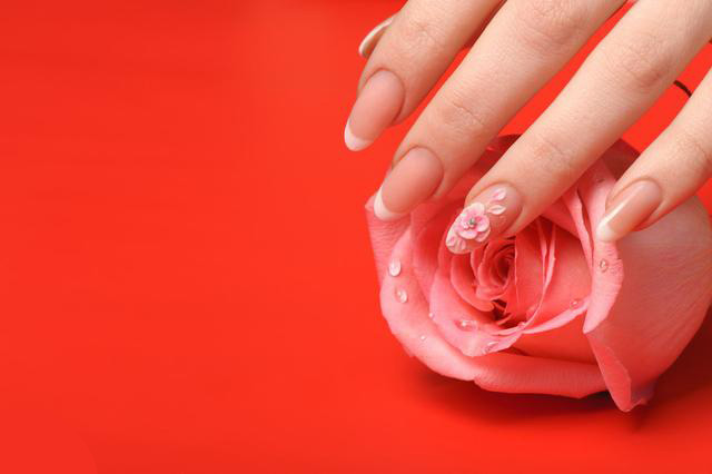 How to make nail carving?