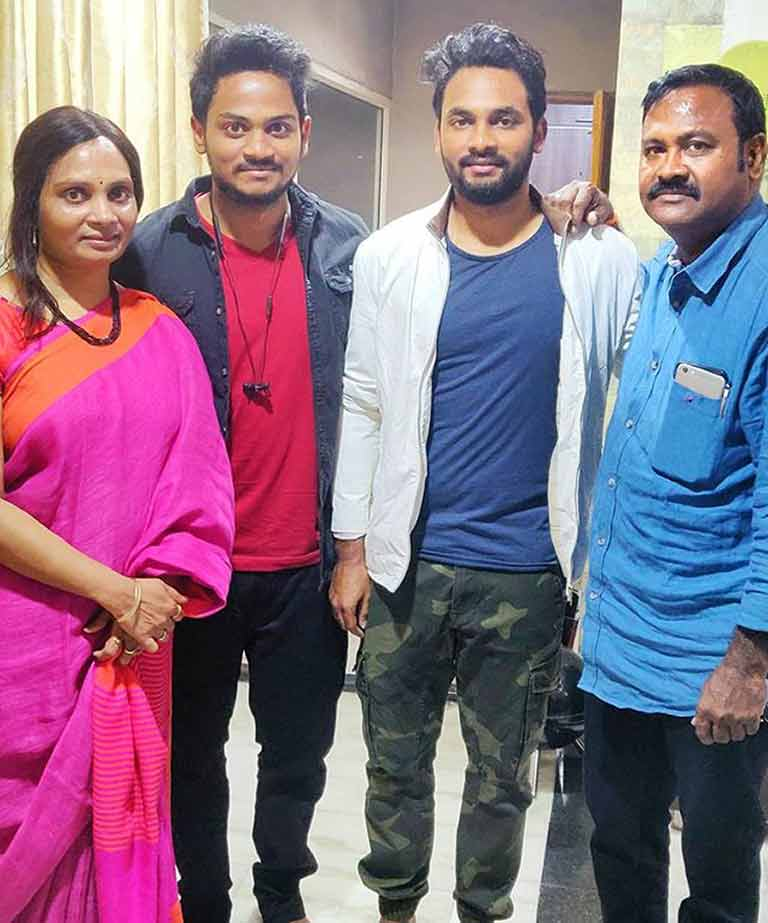 Shanmukh Jaswanth with his Family