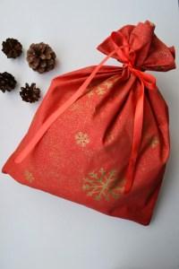 Kalėdinis krepšelis raudonas - Snaigės