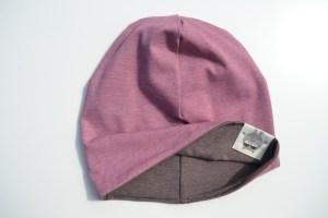 Mergaitiška kepurė pavasariui 'DVI VIENOJE' Rausva-Ruda