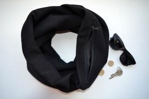 Stilingas juodas šalikas