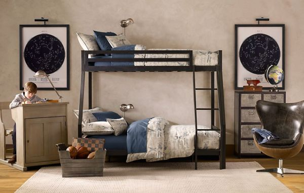 fall11_104_IndustLoft_bed