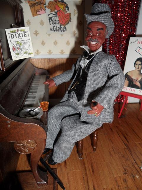Brothel Dolls Nanas Dollhouses And Miniatures