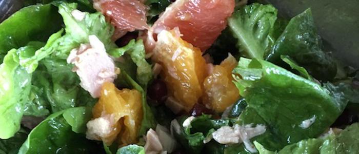Salade verte pamplemousse, orange, grenade au thon
