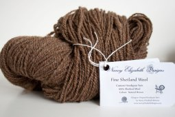 moorit-shetland-handspun-wool-brown-8923