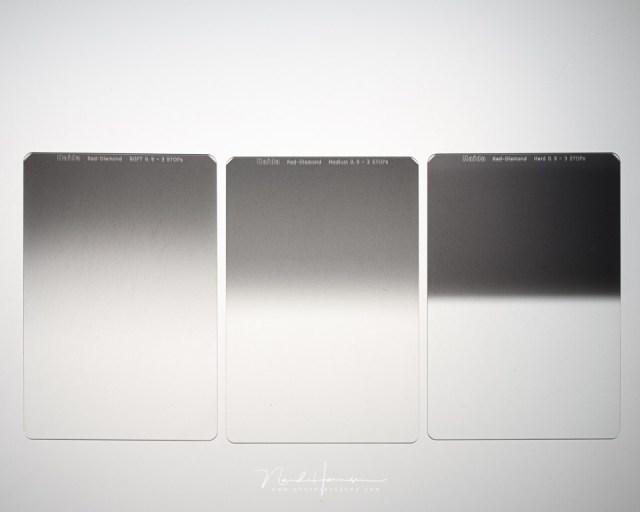 Dit zijn de meest voorkomende grijsverloopfilters. Van links naar rechts, een soft, medium en hard grijsverloopfilter uit de Haida Red Diamond serie. Deze hebben alle drie een 3 stops grijsverloop
