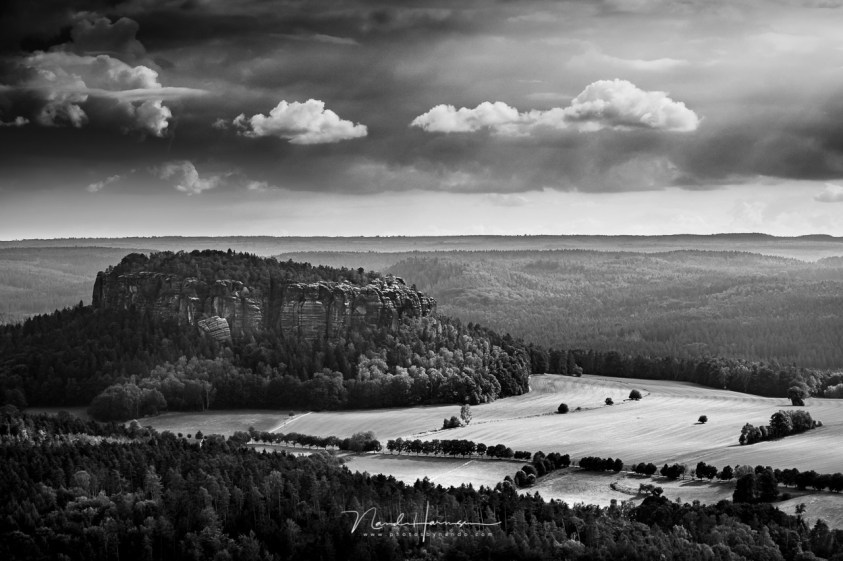 Saksisch zwitserland, zwartwit landschapsfotografie in het digitale tijdperk