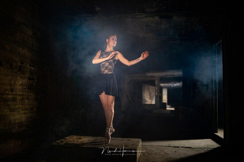 rook en licht tijdens deze fotoshoot in stof en duisternis