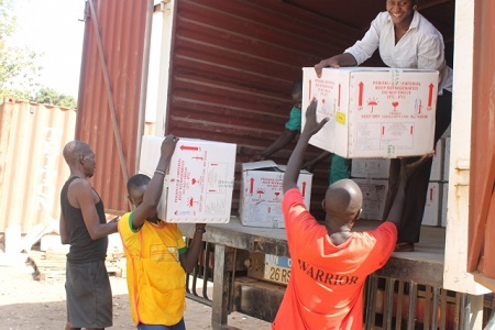 Cholera vaccines brinf offloaded