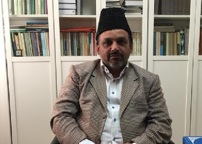 Iman Hayat says Ahmadiyya is concerned about human welfare
