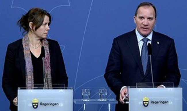 Deputy Prime Minister Åsa Romson (left)  and Prime Minister Stefan Löfven presented additional measures to create a breathing space for Sweden's refugee reception. Photo: Janerik Henriksson/TT