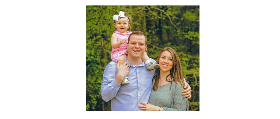 New Albany MS senior pastor Andrew Chesteen and family